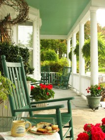 Porch interior green