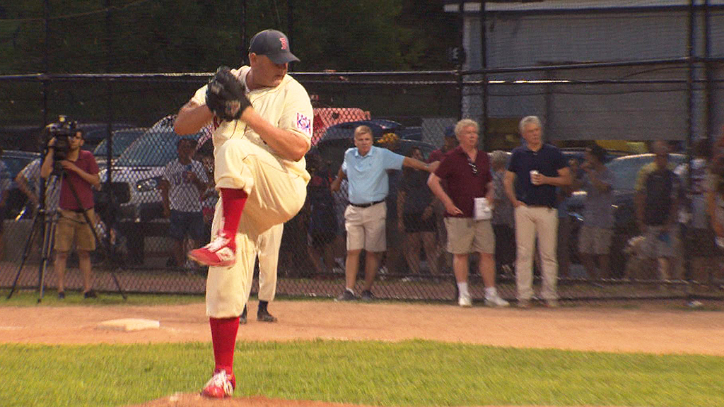 clemens4 - Roger Clemens Back In A Red Sox Uniform For Oldtime Baseball Game – CBS Boston
