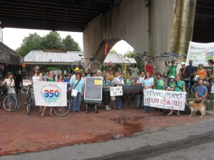Moving Planet parade at Forest Hills Station