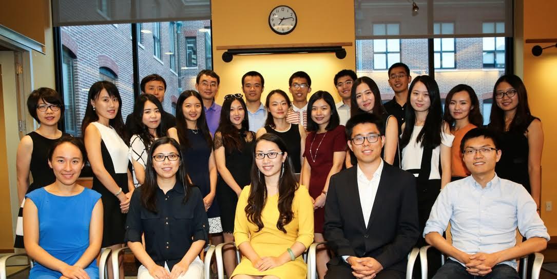 哈佛CSSA新一屆執行團隊上任 波城僑學屆17日舉行升旗儀式   美國印象網