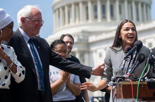 Alexandria Ocasio-Cortez to endorse Bernie Sanders at upcoming rally - The Boston Globe