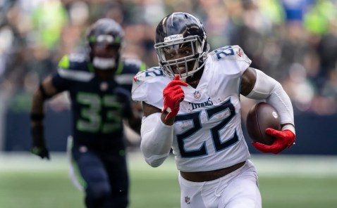 Unstoppable again: Derrick Henry's three touchdowns power Titans comeback  in Seattle - The Boston Globe