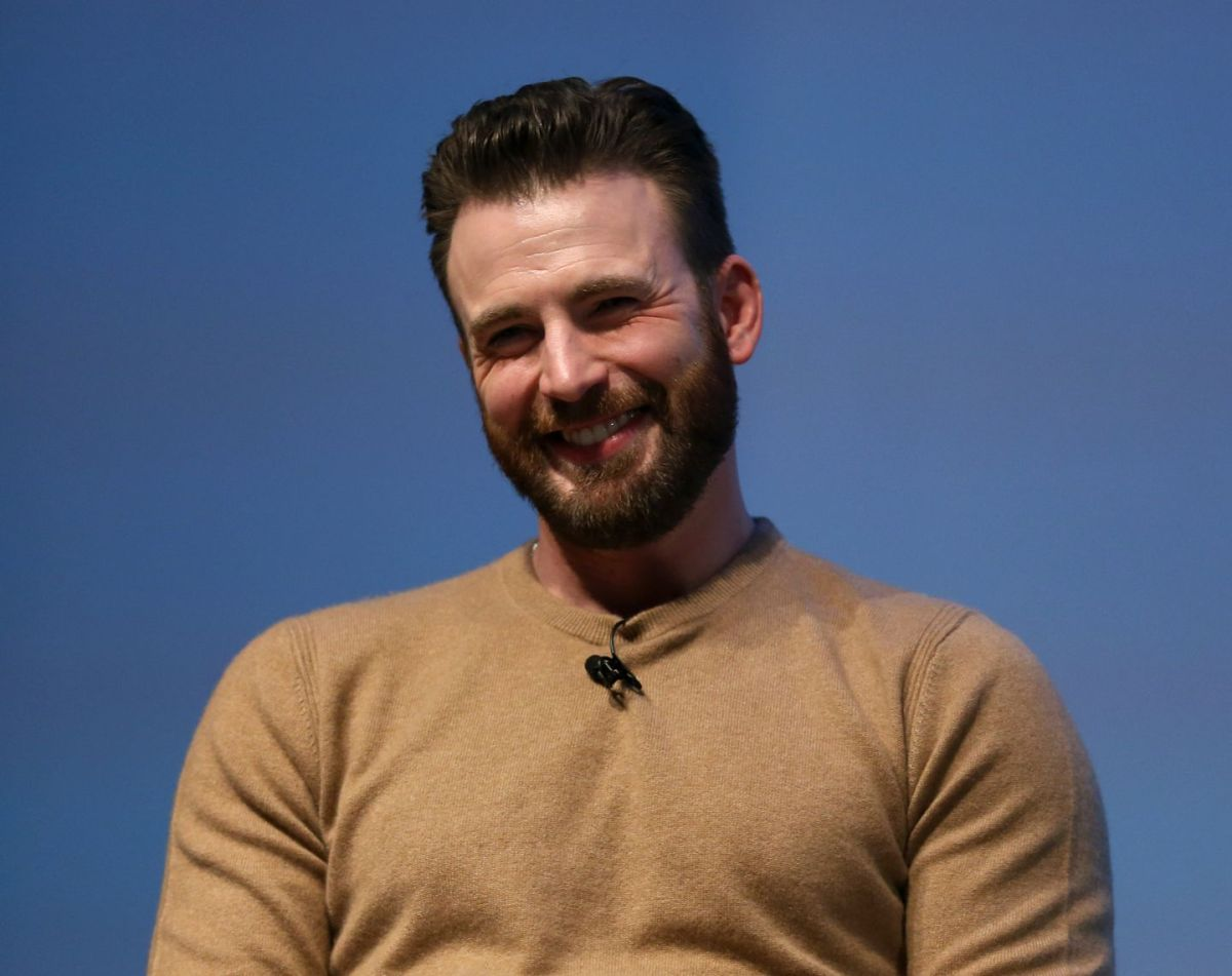 Now that I have your attention': Chris Evans breaks silence after  reportedly sharing NSFW photo on Instagram - The Boston Globe