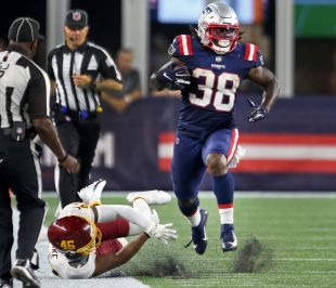 Patriots big fullback Rhamondre Stevenson rumbles 91 yards to seal the victory - The Boston Globe