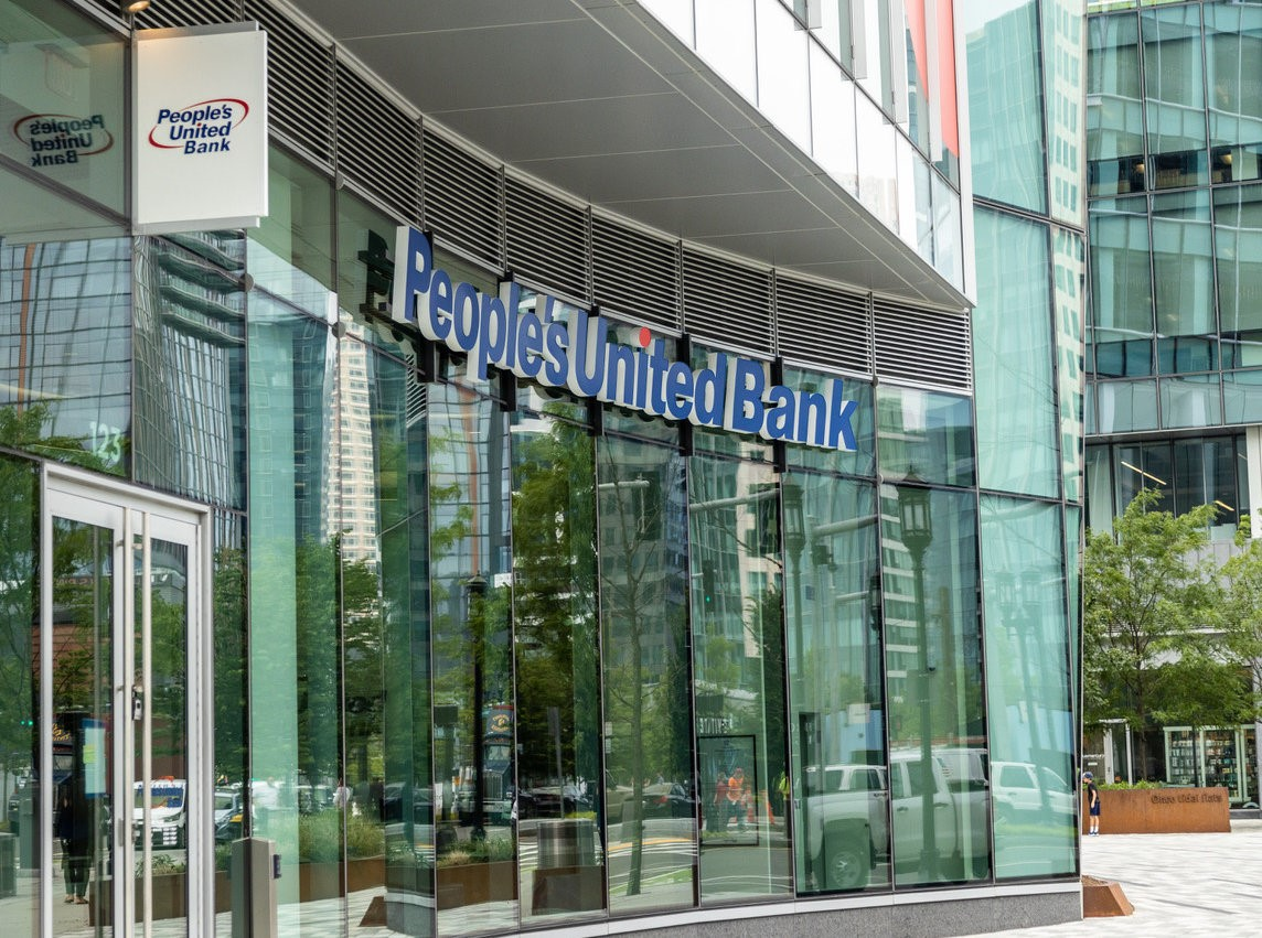 People's United Bank opens branch in Boston's Seaport | Boston Real Estate