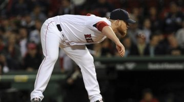 May 10, 2016; Boston, MA, USA; Boston Red Sox relief pitcher Craig Kimbrel (46) pitches during the ninth inning against the Oakland Athletics at Fenway Park. Mandatory Credit: Bob DeChiara-USA TODAY Sports