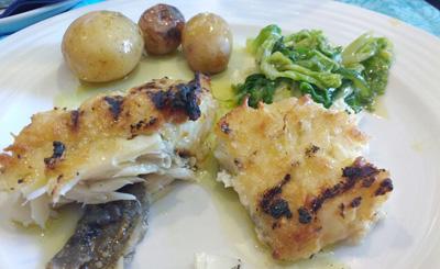 Bacalhau com batatas e couve protuguesa