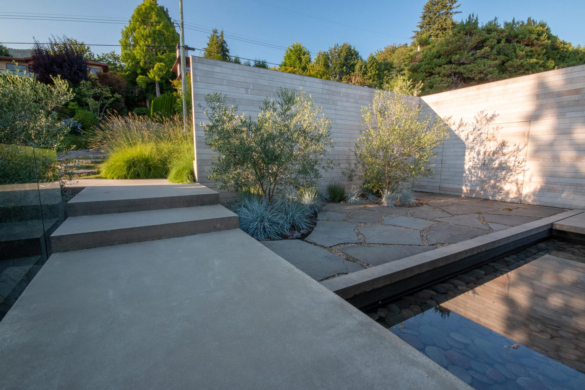 Hollyburn - Botanica Design