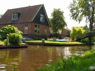MS van den Heuvel Bootverhuur Giethoorn