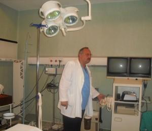 Radu Malancea in sala de operatie