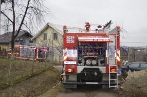 pompier incendiu acoperis casa2