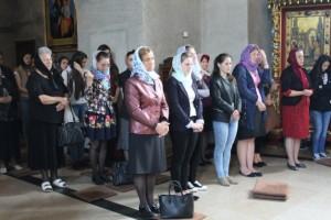 liceeni la slujba la Biserica Vovidenia- Botosani