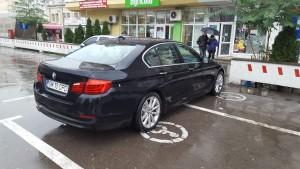 parcarea-pe-locuri-cu-handicap