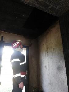 incendiu casa albesti 1