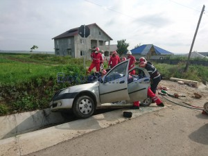 stiri, botosani, stiri din botosani, accident, masina in sant (5)