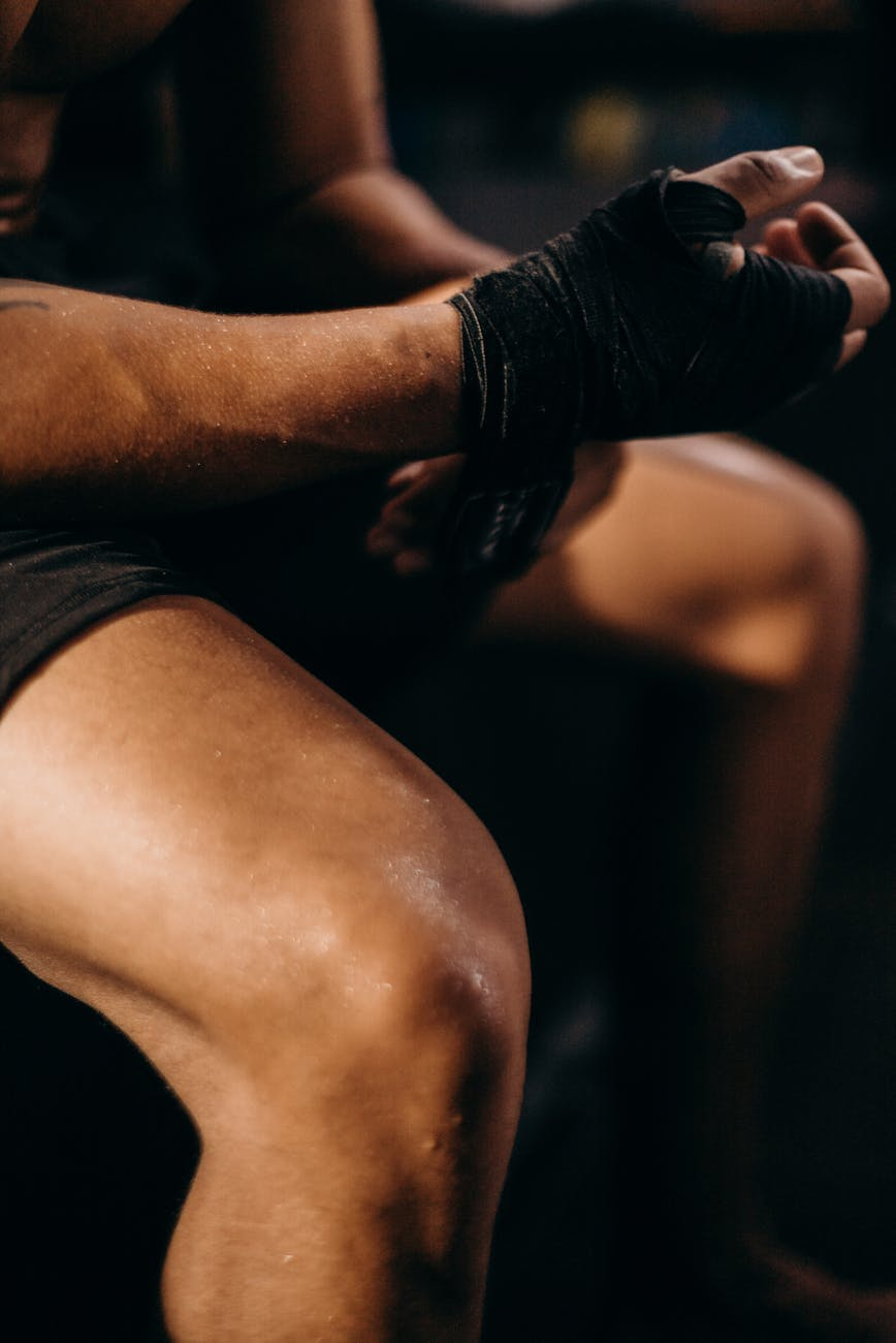 בדיקת יציבות של ברך עם קרע רצועה צולבת קדמית