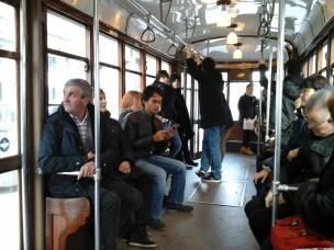 Interior trem listrik di Budapest