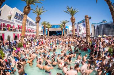 drais-beach-club-at-cromwell