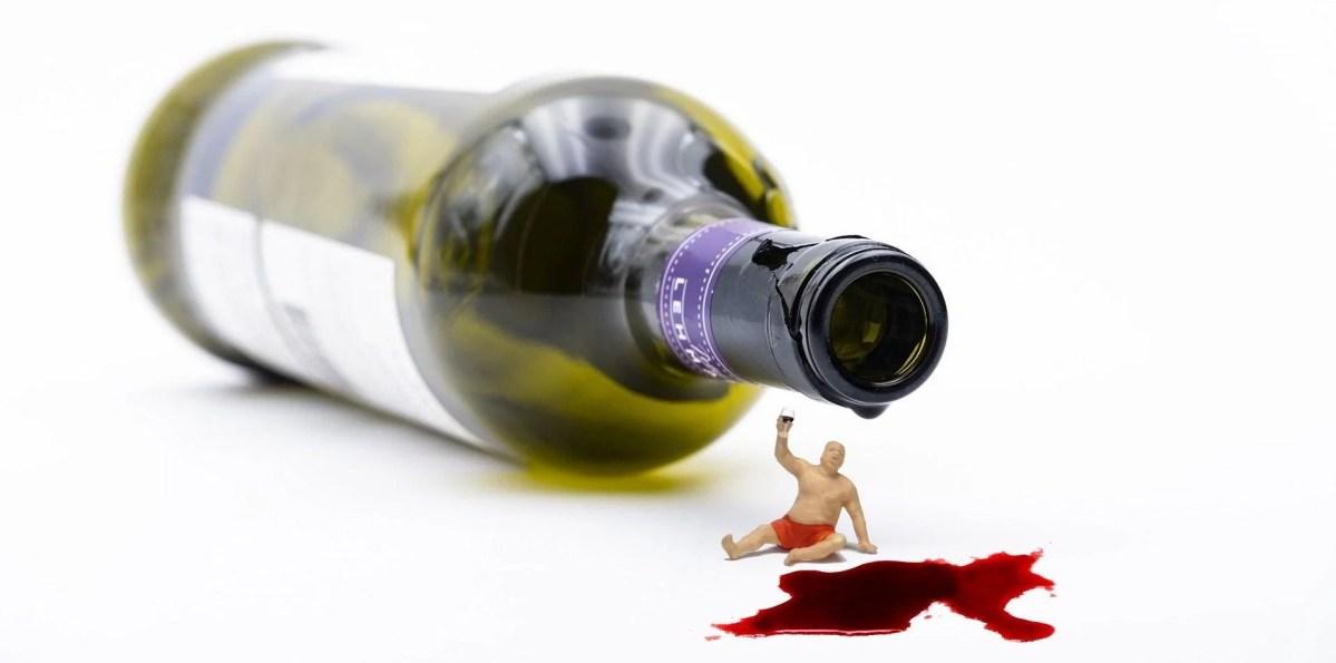 8 Tipps, wie man Rotweinflecken entfernen kann