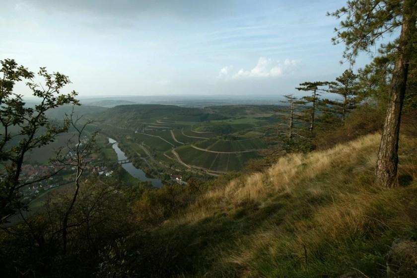 Blick auf die Lage Hermannshöhle im Nahe-Tal