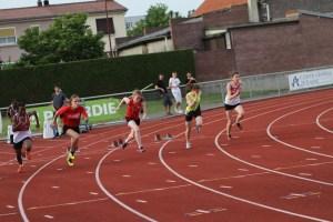 Léa au départ de la finale du 100m