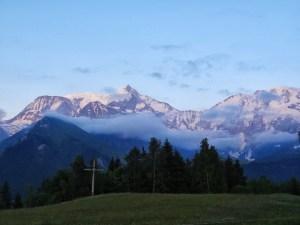 Lever du jour sur le massif du Mont Blanc