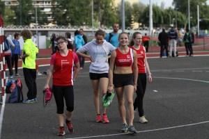 Camille, Marion, Anouk et Léa à l'échauffement