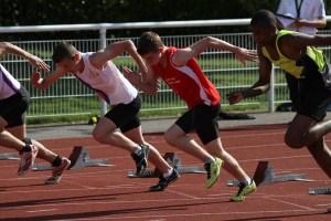 Illiam au départ de la série du 100m