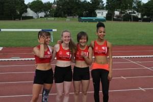 Le relais 4x100m cadettes prend la deuxième place derrière l'ESC Tergnier grâce à Manon, Léa, Ethel et Anathée