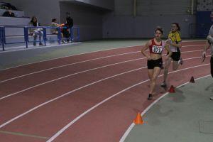 Manon en tête de sa série de 800m