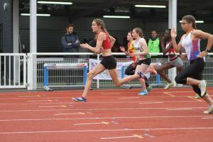 Clara en tête dès les premiers mètres