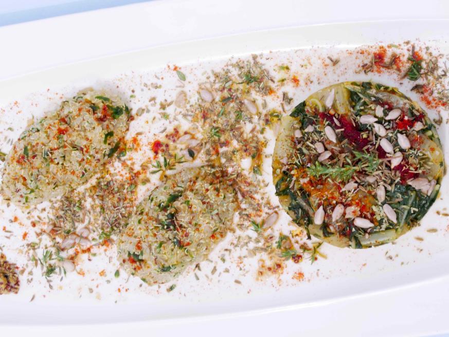 Quinoa au pesto de feuilles de blettes et cardes aux 4 épices
