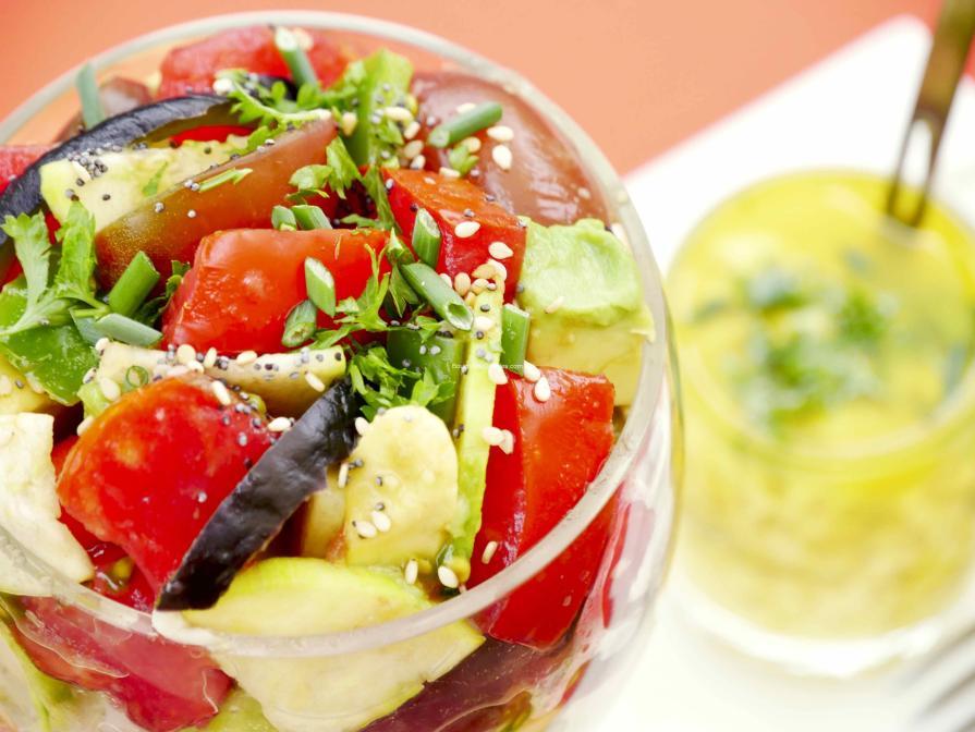 Recette alcaline-salade écarlate de 3 tomates