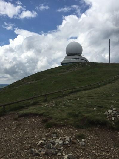 Le radôme du grand Ballon abritant un radar servant à l'aviation civile