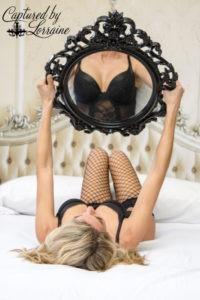 boudoir mirror photo