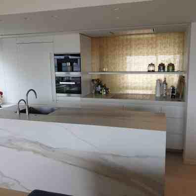 XXL tegels marmeren keuken