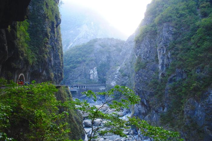 taroko-Gorge-Landscape-View-with-Bridge