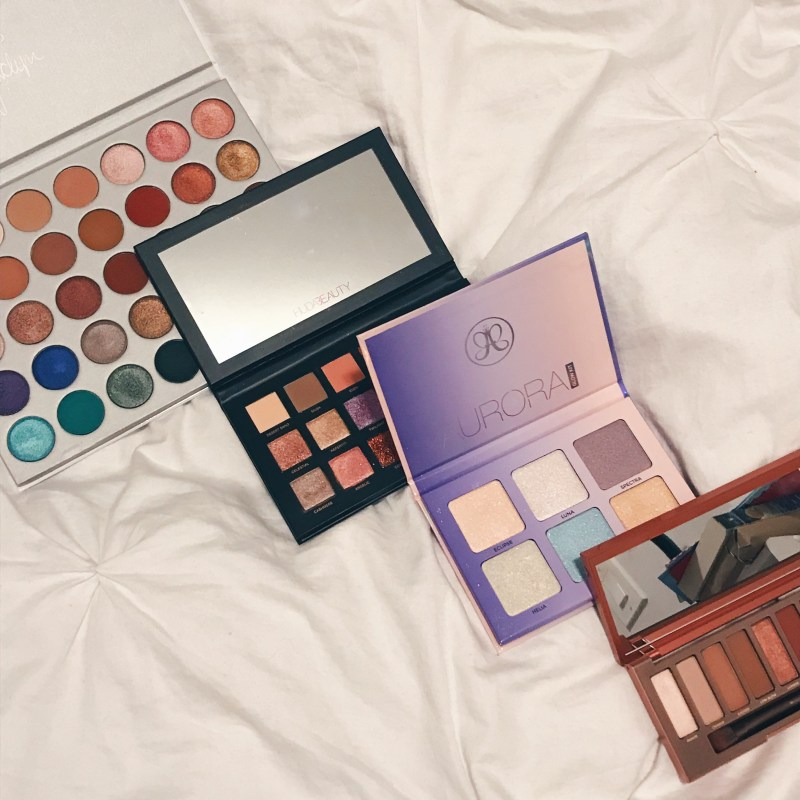 BLOGMAS DAY 11: Top Makeup Palettes of 2017