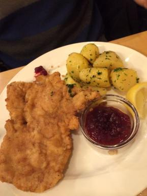 Weiner schnizel in its natural habitat, Salzburg @ Brau Imlauer, http://www.imlauer.com/en/restaurant/index.asp?dat=stieglbraeu-salzburg-beschreibung&id=163&title=The+brewery+restaurant+StieglBr%C3%A4u+in+Salzburg