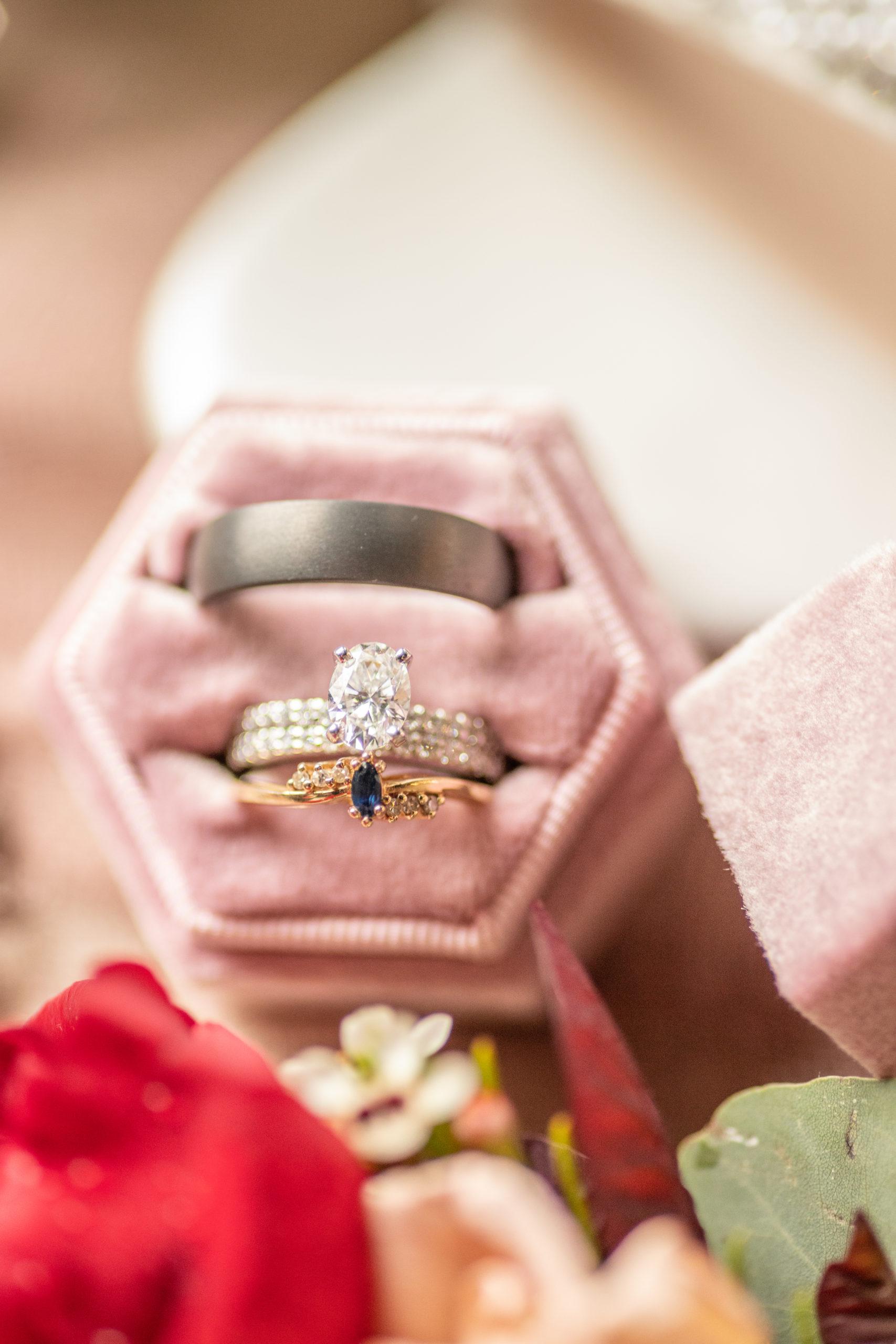 wedding rings, wedding details, wedding bands, southern illinois photographer
