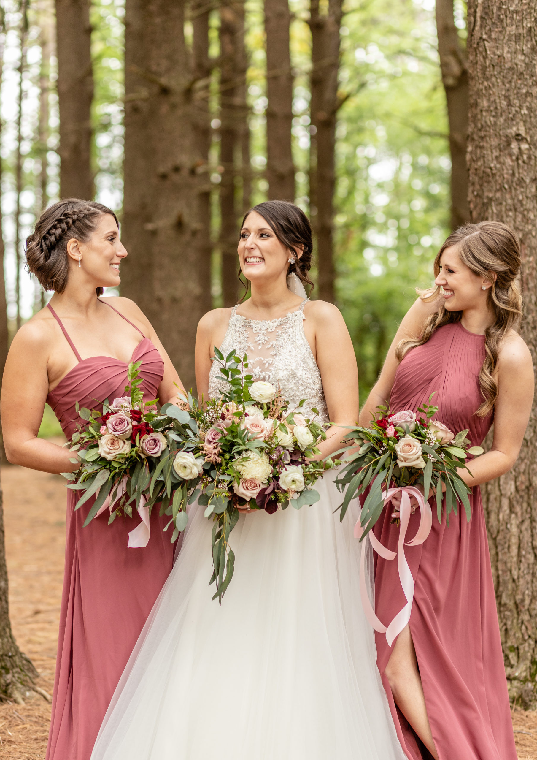 bride, bridesmaids, rusty pink, bouquets, light pink, pine trees