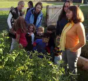 JCC Families in the Garden