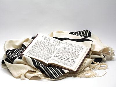 082313_jews_prayer_lg