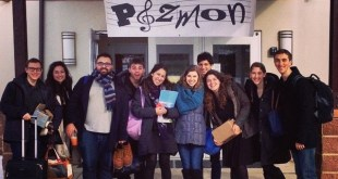 Jewish Acappella Group Leads Havdallah for Adventure Judaism