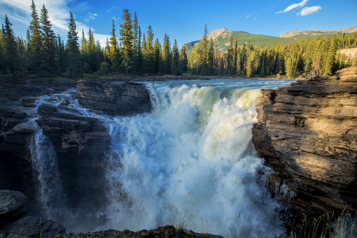 athabasca-falls-jasper-park