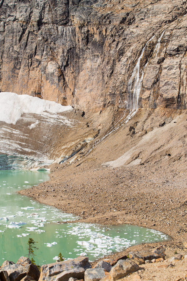 angel-glacier-waterfall