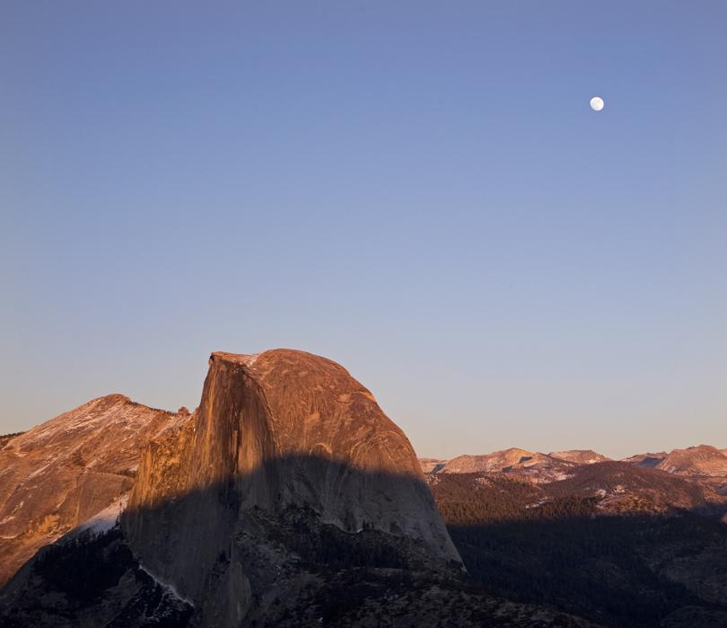 yosemite-half-dome-moon-sunset