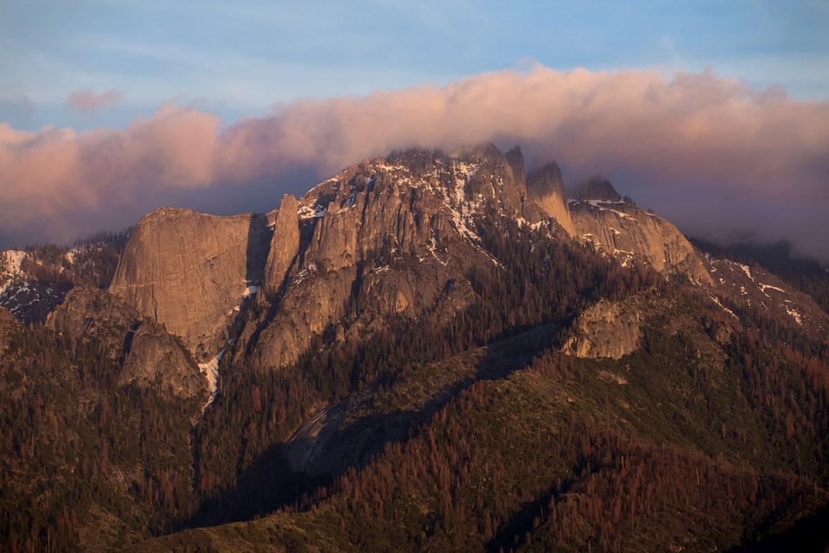 Sequoia-National-Park-Rocks-Lookout-Clouds
