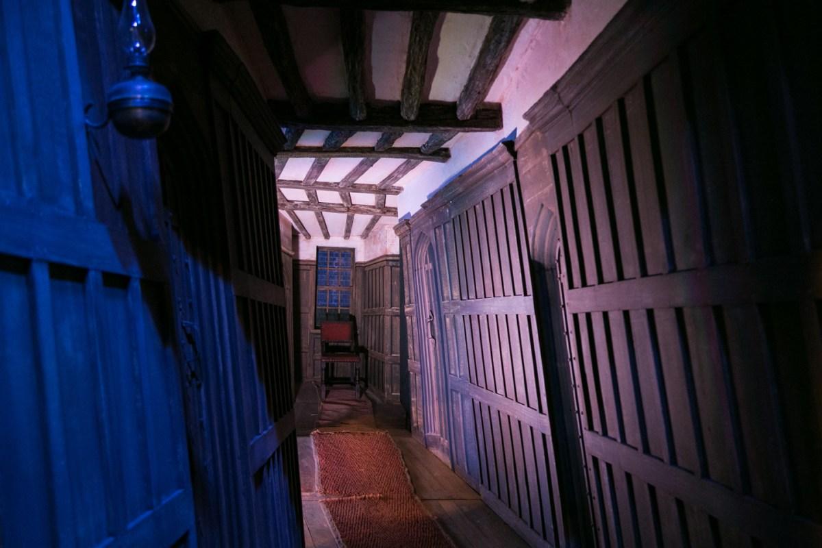 harry-potter-studio-tour-leaky-cauldron-interior