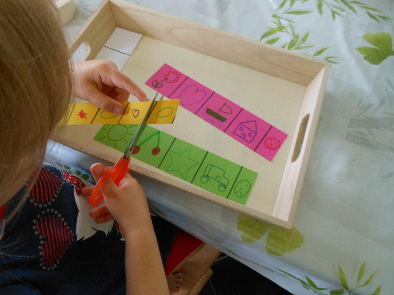 activit s montessori apprendre d couper avec des ciseaux 3 bout de chou en veil. Black Bedroom Furniture Sets. Home Design Ideas